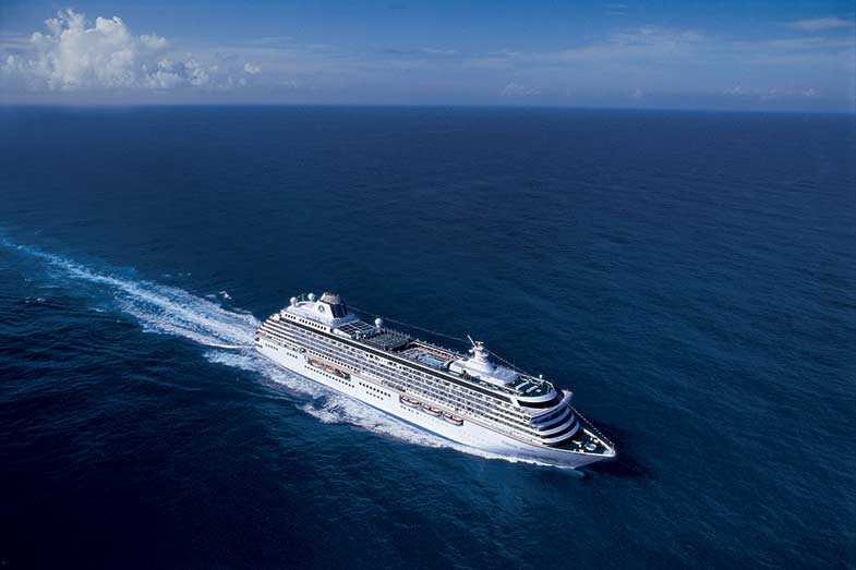 How Long to Cross the Atlantic by Boat? Sailboat, Cruise Ship