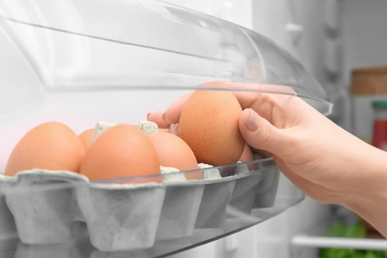 How Long Do Eggs Last in the Fridge? (Raw and Hard-Boiled)