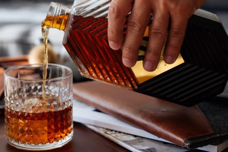 What Does Whiskey Taste Like? [Rye, Malt, Irish]