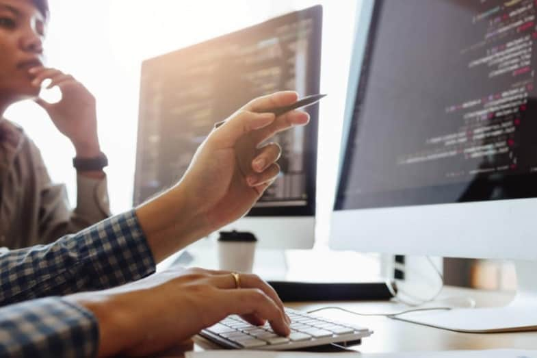 what is a full stack software engineer