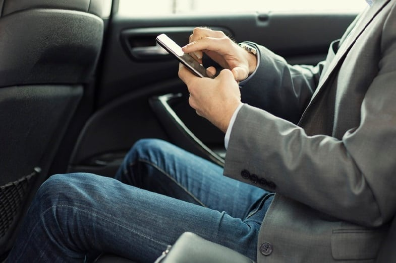 can you pay cash with lyft