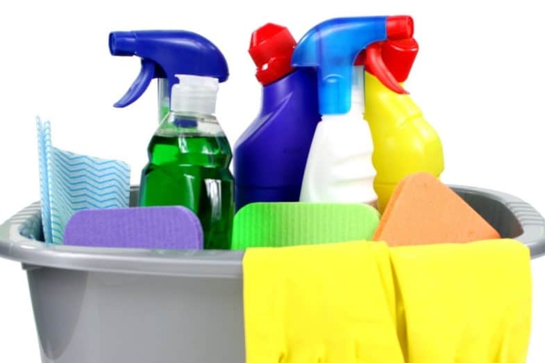 Mixing Bleach and Ammonia – What Happens and Is It Safe?