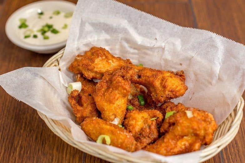 long to fry chicken wings in deep fryer