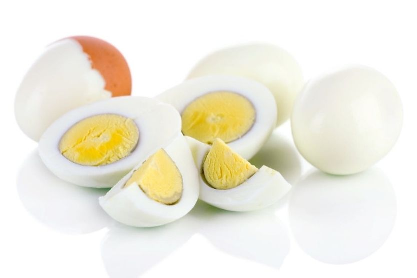 How long can cooked eggs sit out