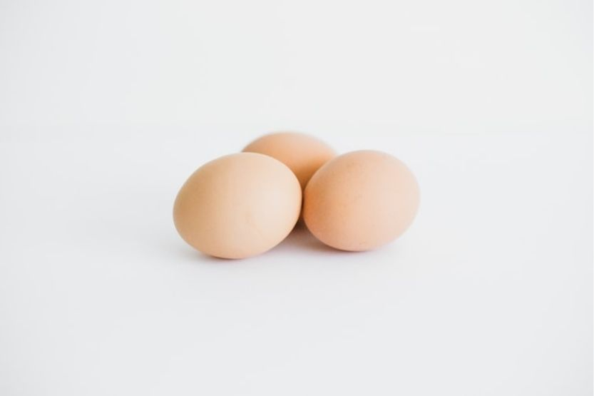 How long can hard-boiled eggs sit out