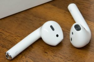 Read more about the article How Long Do AirPods Last?