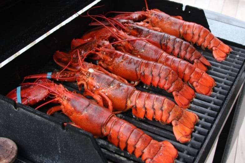 how long does it take to cook lobster