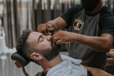 How Much Do You Tip a Barber? Should You Tip?