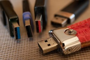 USB 2 vs 3 – What is the Difference Between USB 2.0 vs 3.0?