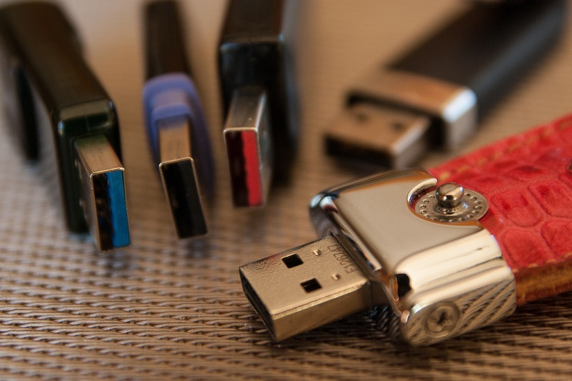 USB 2 vs 3 - What is the Difference Between USB 2.0 vs 3.0?
