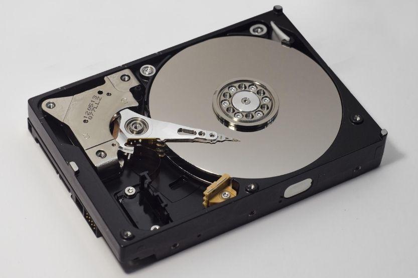 32GB eMMC vs 500GB HDD