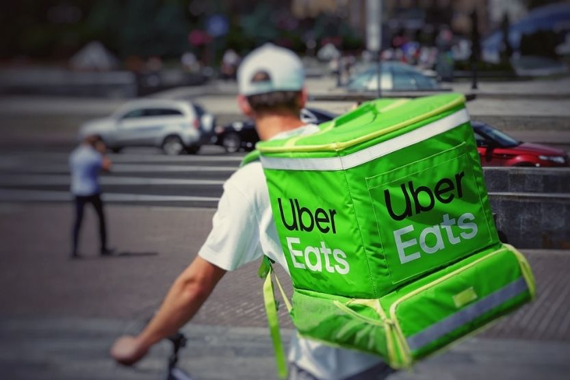 How Much Can You Make With Uber Eats in a Week and Year?