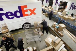 Read more about the article FedEx Scheduled Delivery Pending [What Does It Mean?]